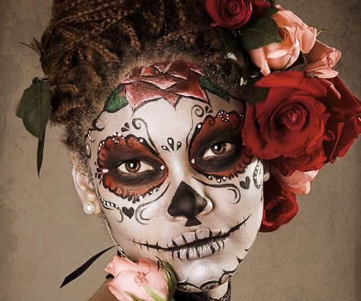 maquillaje-de-catrina-para-halloween-con-rosa-en-la-frente