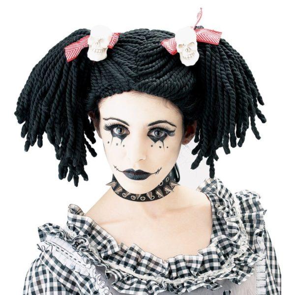 maquillaje-halloween-muneca-con-labios-negros