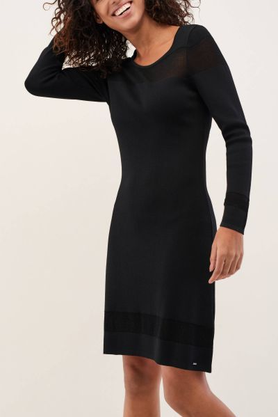 catalogo-salsa-para-mujer-vestido-ajustado-detalles-encajes