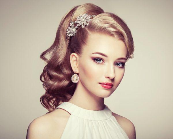 Peinados de novia semirecogidos con coleta