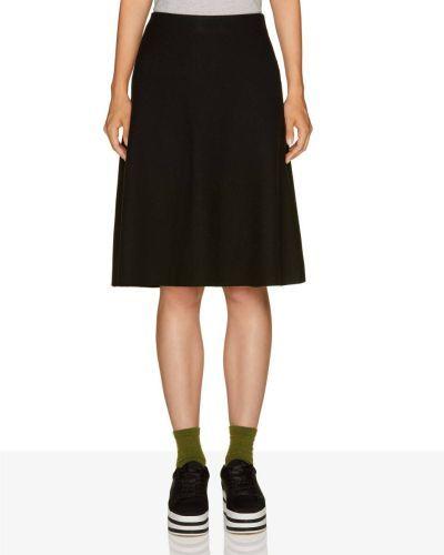 catalogo-united-colors-of-benetton-para-mujer-faldas-evase-de-punto