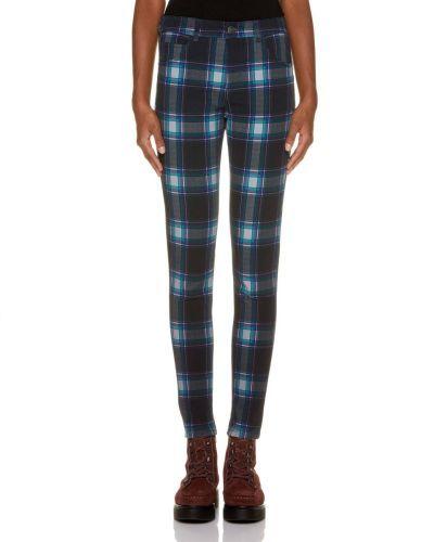 catalogo-united-colors-of-benetton-para-mujer-pantalones-tartan-push-up