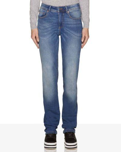 catalogo-united-colors-of-benetton-para-mujer-pantalones-vaqueros-corte-estandar