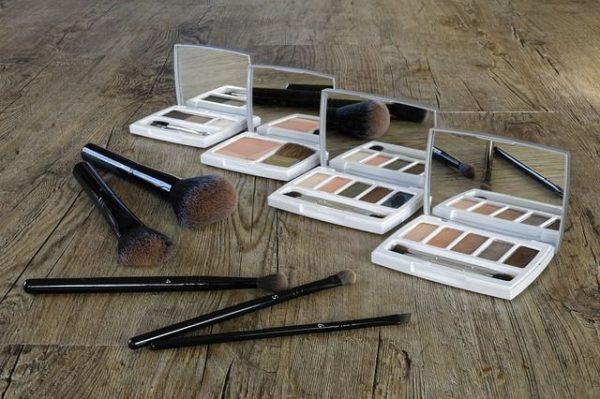 mejores-brochas-y-pinceles-de-maquillaje-sombras-de-ojos-y-pinceles