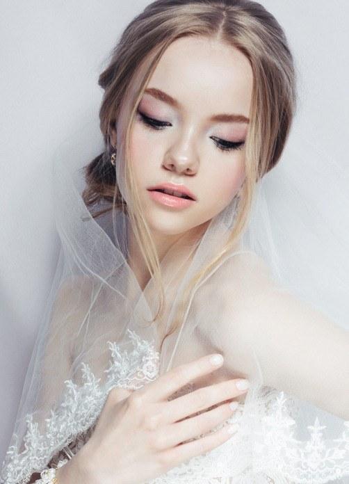 Peinados de boda pelo corto recogido bajo