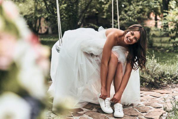 como-elegir-el-segundo-vestido-de-novia-istock3
