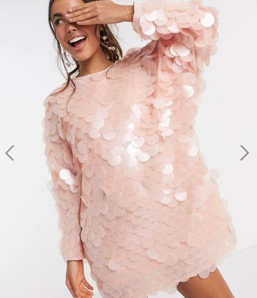 Vestido corto con discos rosa. Asos 2020