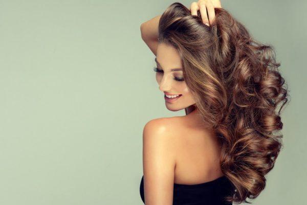 Permanente ondulada para el cabello