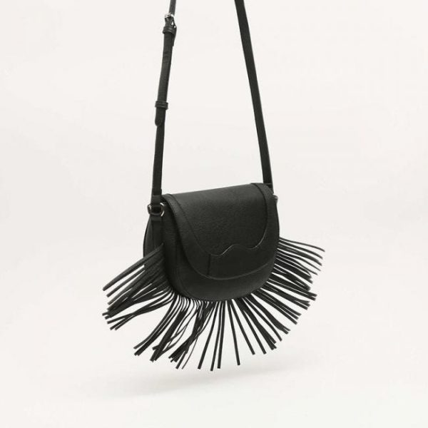 Catalogo de bolsos de misako bandolera flecos negro