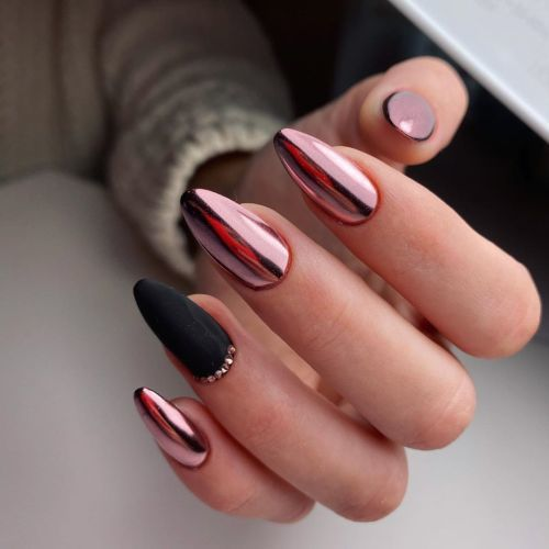 unas-decoradas-de-manos-y-pies-2020-metalizados-nails-by-natalia-prodan-instagram
