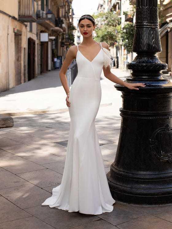 Vestido boda civil Pronovias modelo LWD 07