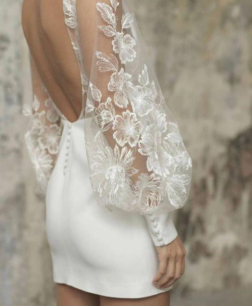 vestidos-de-novia-boda-civil-espalda-al-aire-y-encaje-en-brazos-instagram