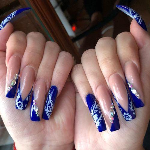 como-quitar-unas-de-gel-en-casa-formas-azules-y-adornos-instagram-chocolats-nails