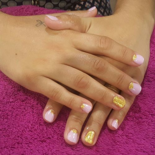 decoracion-de-unas-para-novias-rosa-instagram-noelia-andino-beauty-nails