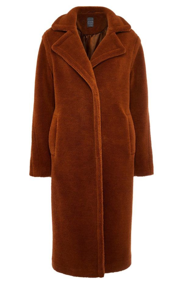Catalogo de primark enero 2021 abrigo borrego