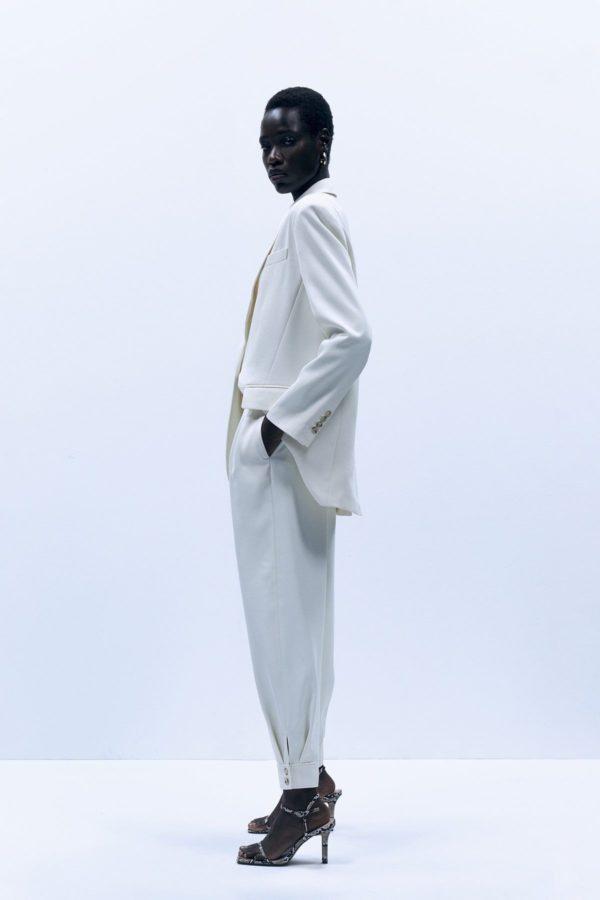 Catalogo REBAJAS SFERA primavera verano 2021 pantalon pinzas blanco