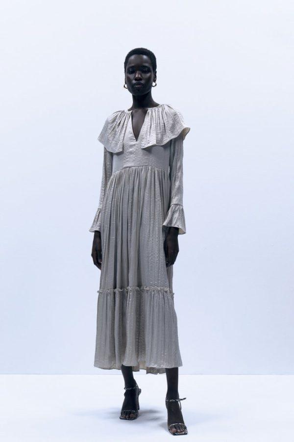 Catalogo REBAJAS SFERA primavera verano 2021 vestido gris volantes