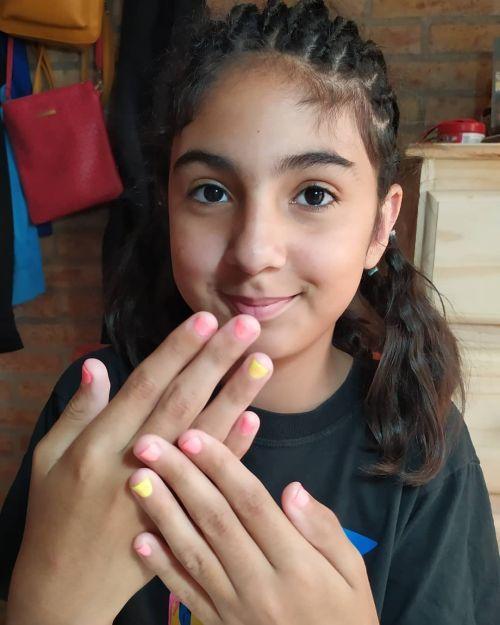Uñas de niña decoradas