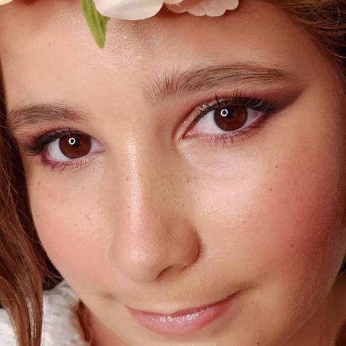 Maquillaje para niña efecto piel de porcelana