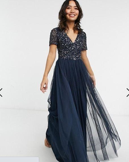 Vestido de dama de honor largo azul marino, tul y lentejuelas