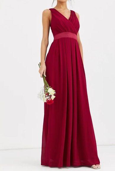 Vestido de dama de honor largo en color mora
