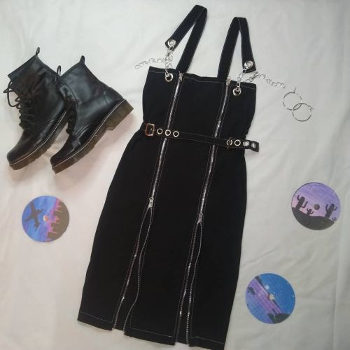 Vestido negro estilo GRUNGE