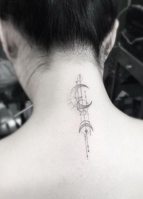 Tatuajes en la espalda FOTOS diseño luna puntos