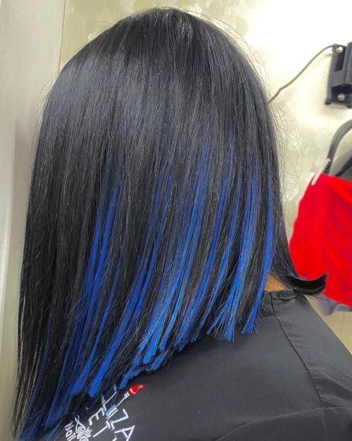 Pelo corto bob mechas azules