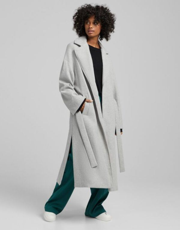 Moda adolescente otoño invierno 2021 abrigo lana gris bershka