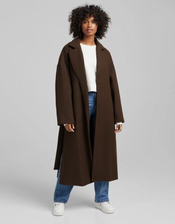 Moda adolescente otoño invierno 2021 abrigo lana marron bershka
