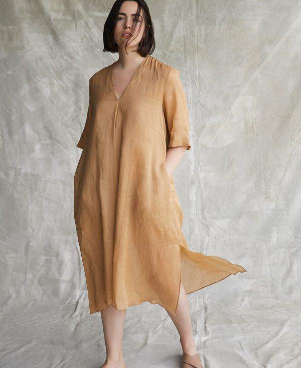 Vestidos adolfo dominguez otoño invierno vestido fluido camel