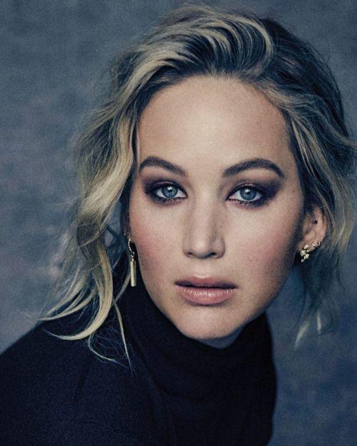 Jennifer Lawrence media melena ondas