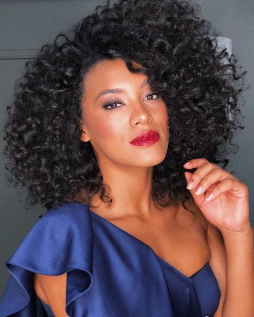 Curly girl Santana Raissa