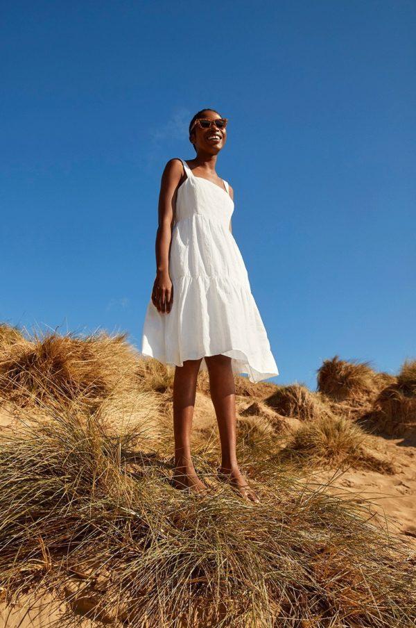 Rebajas primark para mujer verano 2021 vestido blanco
