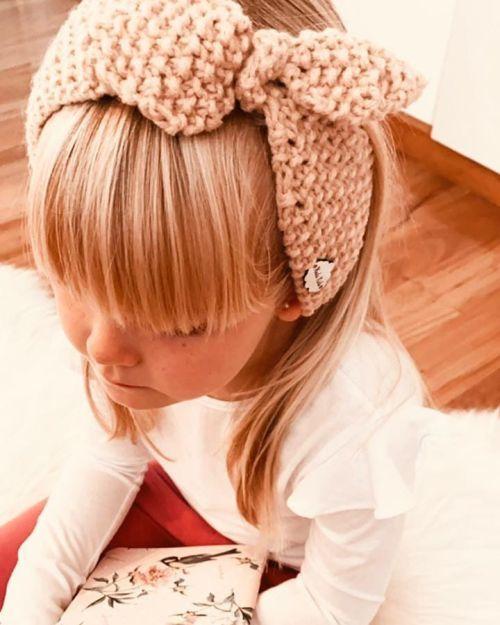 Corte de pelo niña con flequillo recto
