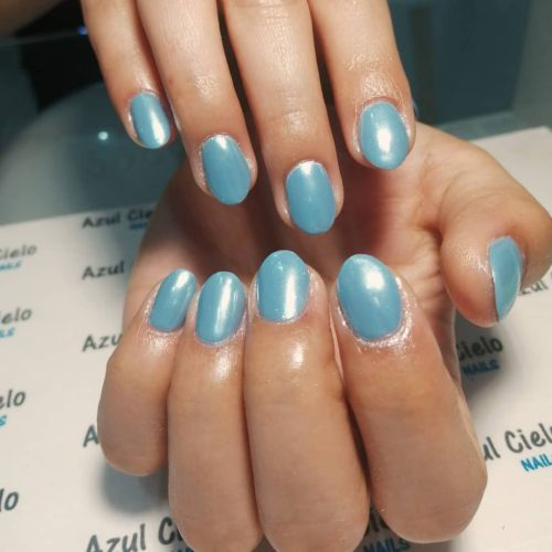 Uñas azul cielo
