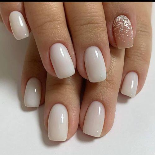 Uñas blancas lisas