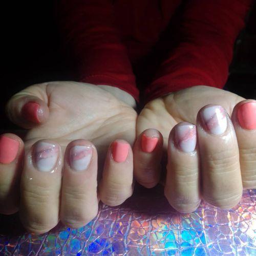Uñas de gel rosas