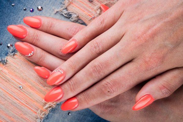 Uñas color coral 2022 9