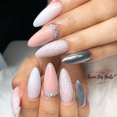 Uñas para boda en blanco, rosa y plata