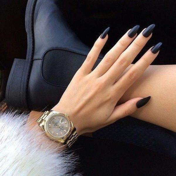 Uñas almendradas 2022 uñas negras