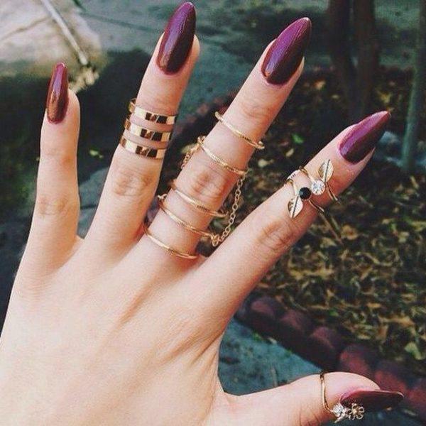 Uñas almendradas 2022 uñas violeta