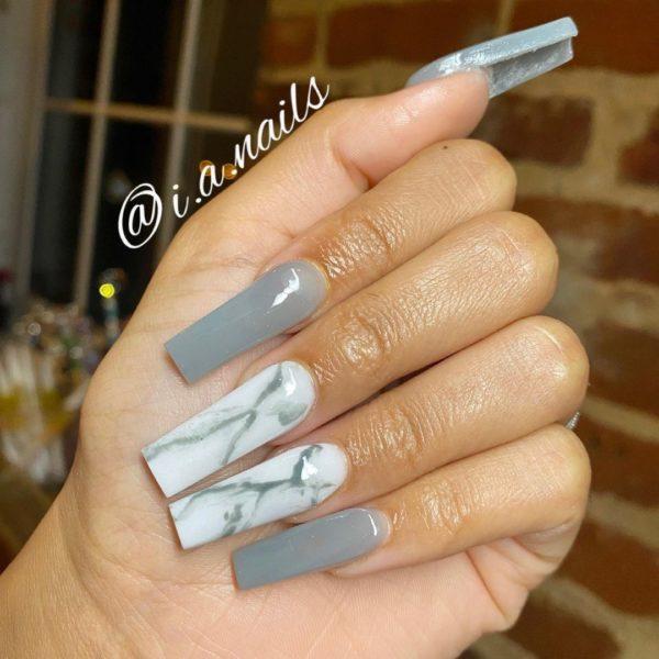 Uñas grises 2022 uñas marmol