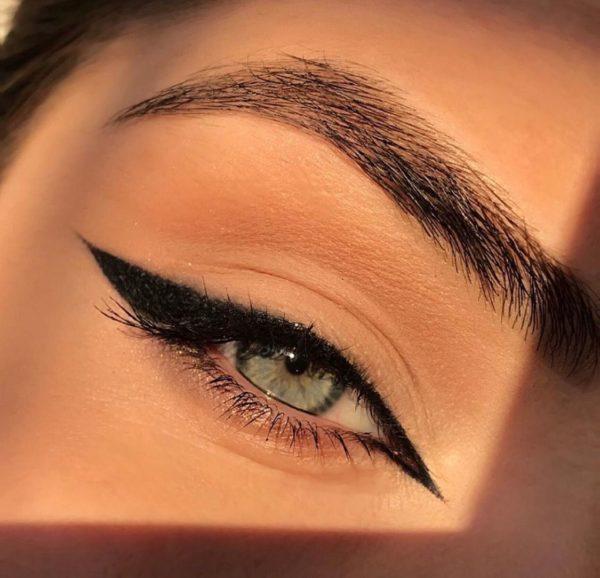 Disenos de eyeliner o delineado de ojos cat eyes