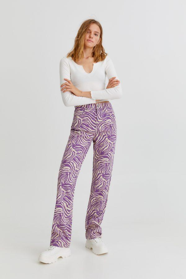 Moda adolescente otoño invierno 2021 pantalon estampado
