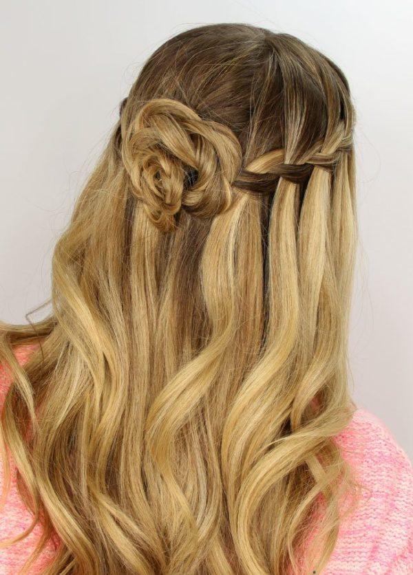 Peinados con trenzas cascada flores