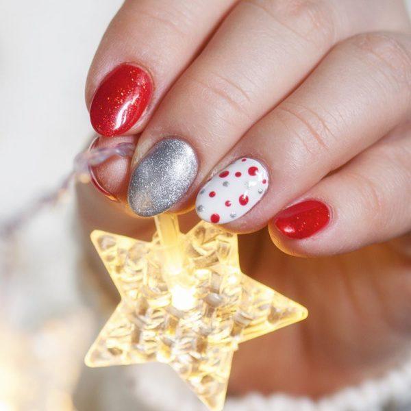 Unas para navidad purpurina gris rojo