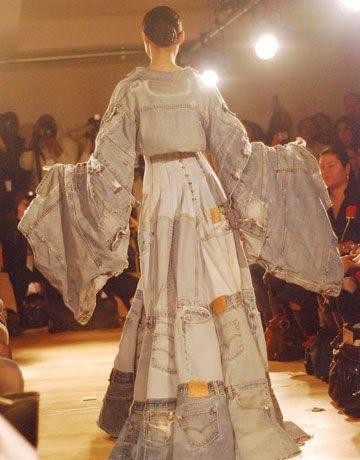 vestido de material vaquero reciclado1 Vestidos reciclados: Algunos ejemplos con galerías de fotos y videos.