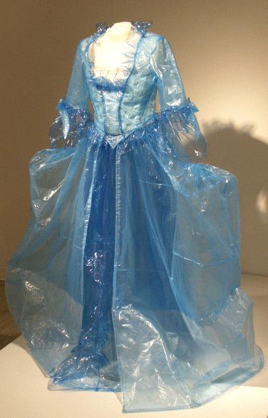 vestido de plastico transparente Vestidos reciclados: Algunos ejemplos con galerías de fotos y videos.