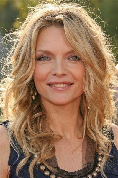 cortes-de-cabello-y-peinados-para-mujeres-mayores-de-50-años-michelle-pfeiffer